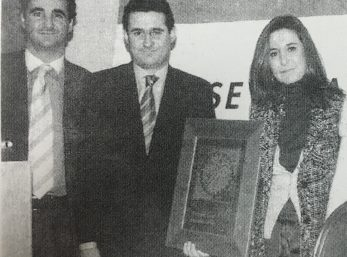 JOVEN_EMPRESARIO_SEVILLA_BLANCO_NEGRO_AWARD_2004